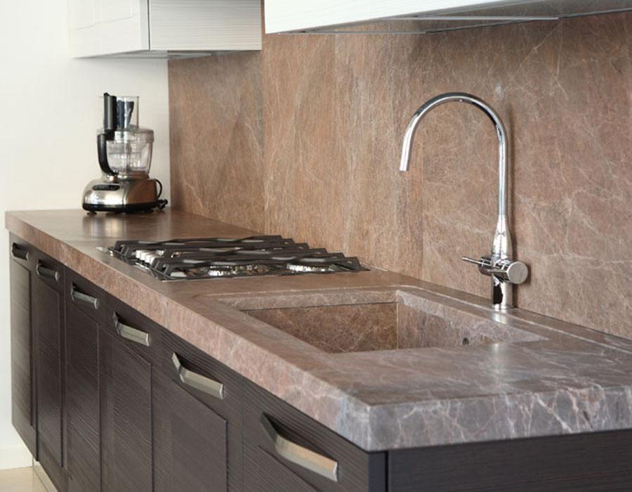 top cucina in marmo e granito