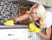 pulire-il-top-della-cucina